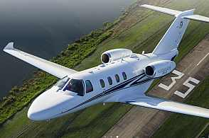 Privatjet Cessna Citation M2 im Flug